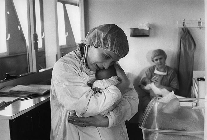 11_néonatologie,hop.antoine béclère,1983.©v.winckler.1992n°5