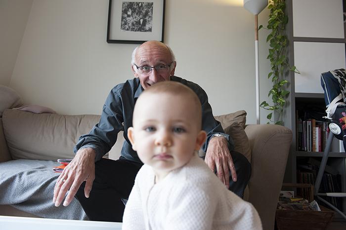 14_claude-retraité avec petite fille.©awinckler-Jubilacion-