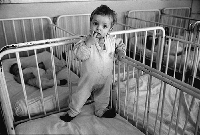 02_roumanie.buzau,orphelinat,1990,©vwinckler-3429.15a16