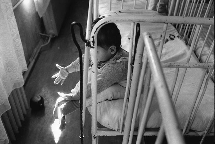 05_roumanie.buzau,orphelinat,1990,©vwinckler.3429-10
