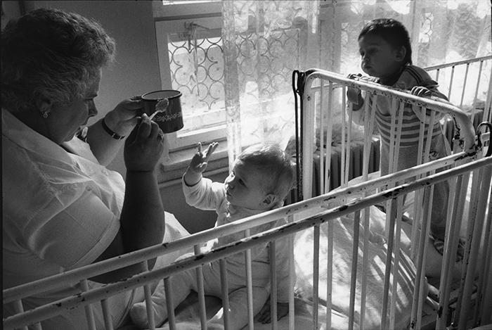 06_roumanie,buzau,orphelinat,1990©vwinckler