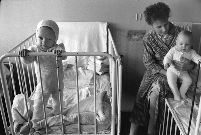 12_roumanie.focsani,hôpital, service pédiatrie.1990©vwinckler.3419-32